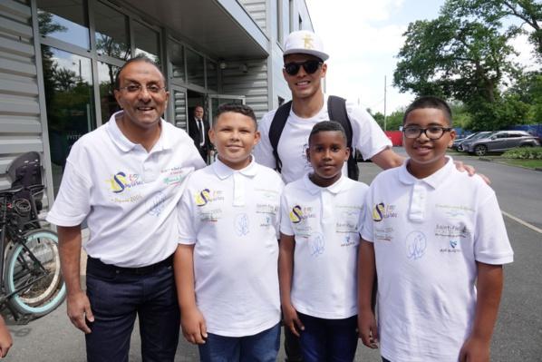 """<center>Jour 5 : """"S'envoler vers le Rêve  ..."""" <br>Les petits Réunionnais ont rencontré <br> les joueurs du PSG"""