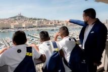 """<center>""""S'envoler vers le Rêve ...""""  <br> Jour 2: Les marmailles font leurs premiers pas en métropole, à Marseille et Salon-de-Provence"""