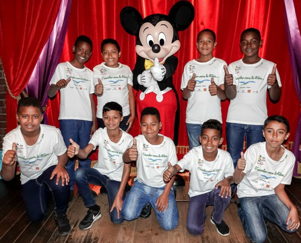 """<center>""""S'envoler vers le Rêve ...""""  <br> Jour 14 : Le voyage de Rêve se termine à Disneyland Paris ..."""
