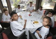 <center>1000 Sourires parraine son 10 000e enfant <br> avec Thomas Meunier du PSG au Palm Hôtel &  Spa