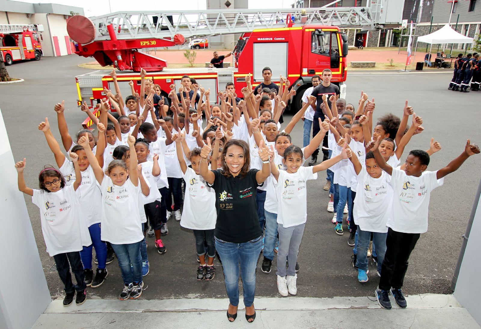 <center>Journée citoyenne pour les marmailles <br> avec les sapeurs-pompiers et Miss Réunion 2016
