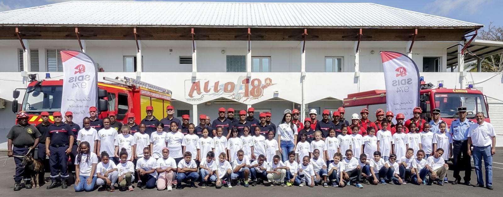 <center>Les marmailles pompiers d'un jour