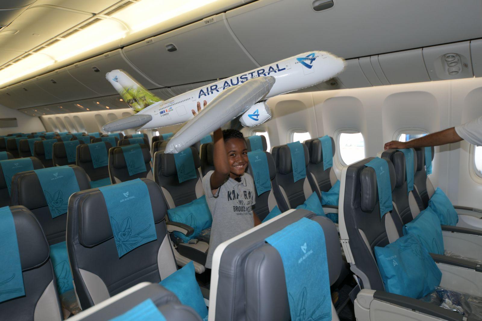 """<center>""""Noël de Rêve à Marseille"""":<br> Kellian et Esaïe s'envolent pour Marseille<br> grâce à Air Austral"""