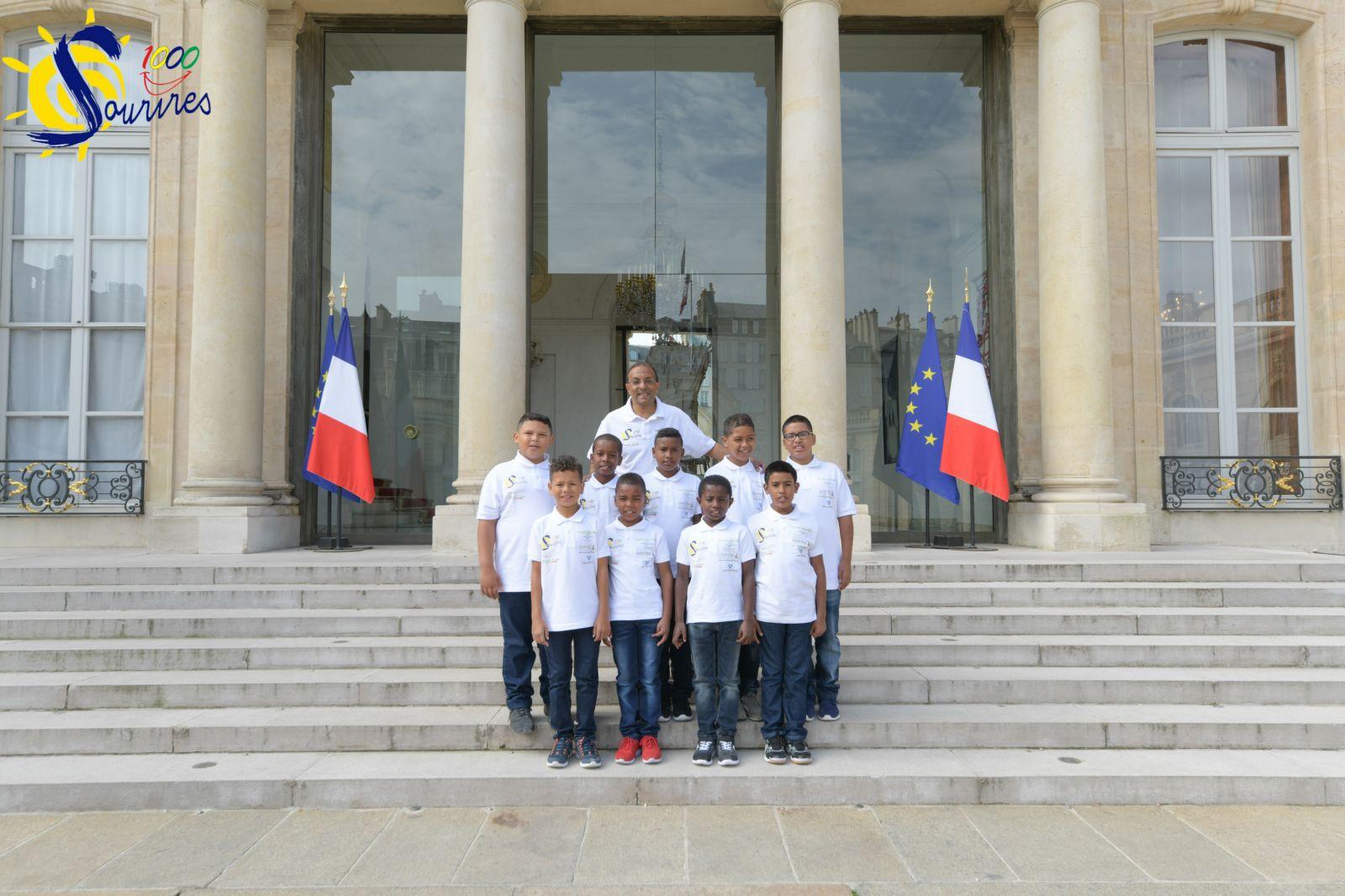"""<center>Jour 7 : """"S'envoler vers le Rêve  ..."""" <br>Les enfants de 1000 Sourires <br> au coeur du palais de l'Élysée <br>  pour une visite d'exception"""
