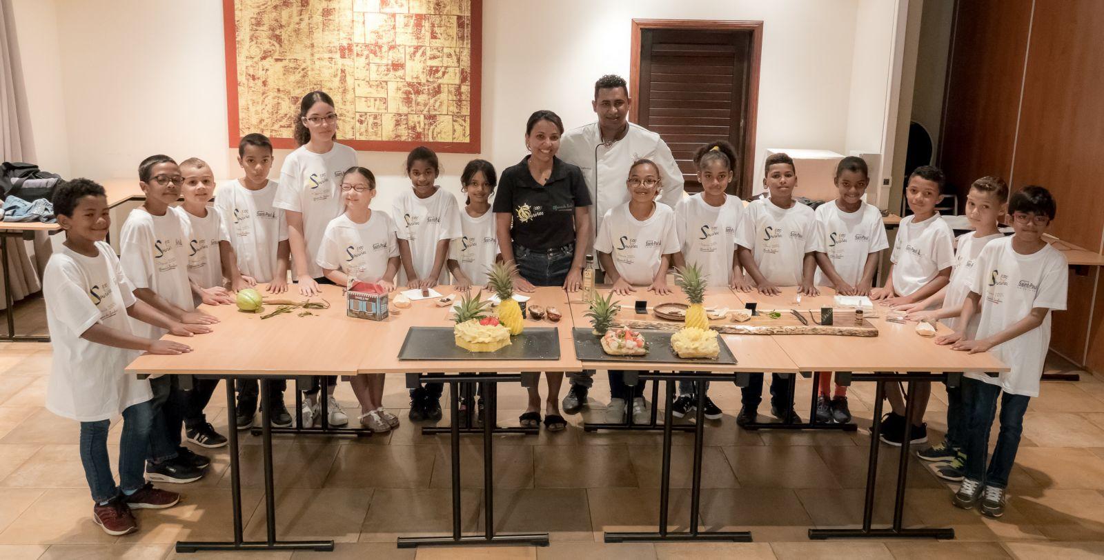 <center>Première action caritative pour Miss Réunion 2018<br> au Palm, avec les marmailles de 1000 Sourires