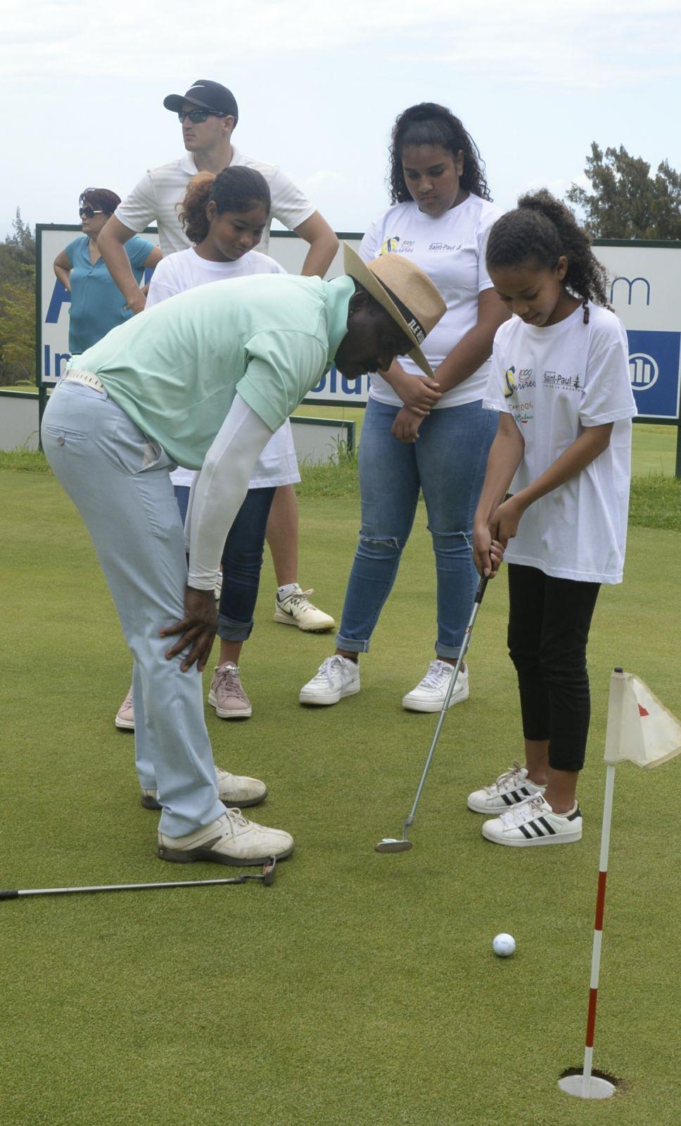 <center>Trophée Professionnel de l'Océan Indien: <br>Air Austral invite les marmailles de 1000 Sourires <br> à rencontrer les pros au Golf Club du Colorado