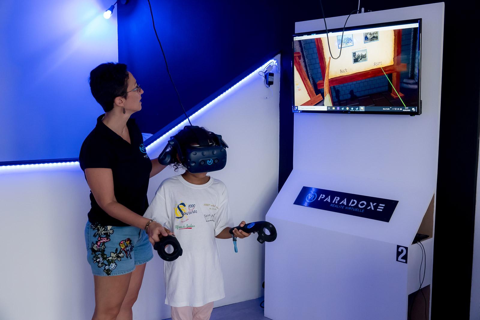 <center>Les marmailles de 1000 Sourires transportés dans une réalité virtuelle par VR Paradoxe.