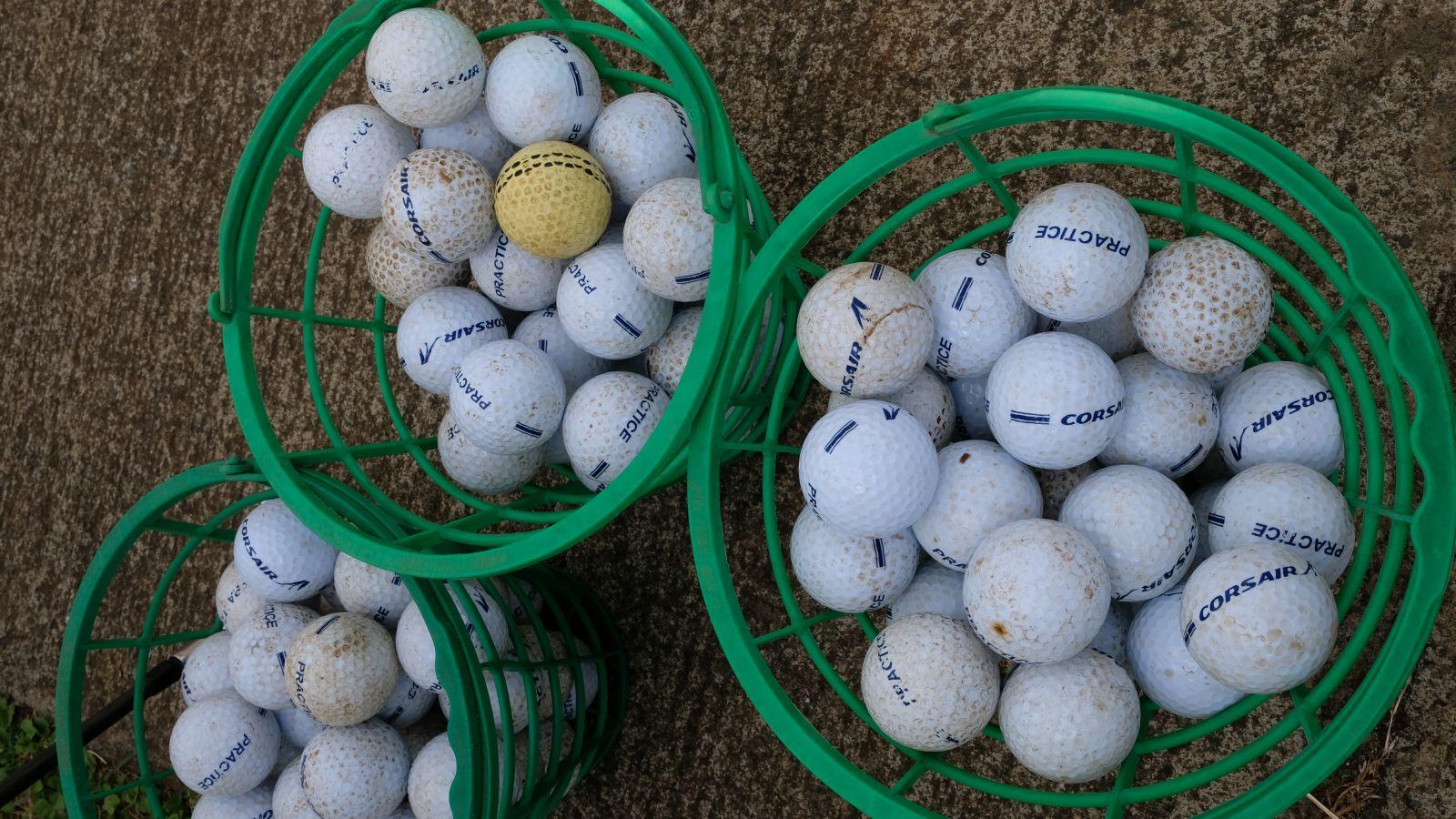 <center>Golf du Bassin Bleu :<br> les marmailles de 1000 Sourires<br> tapent la balle avec des champions réunionnais