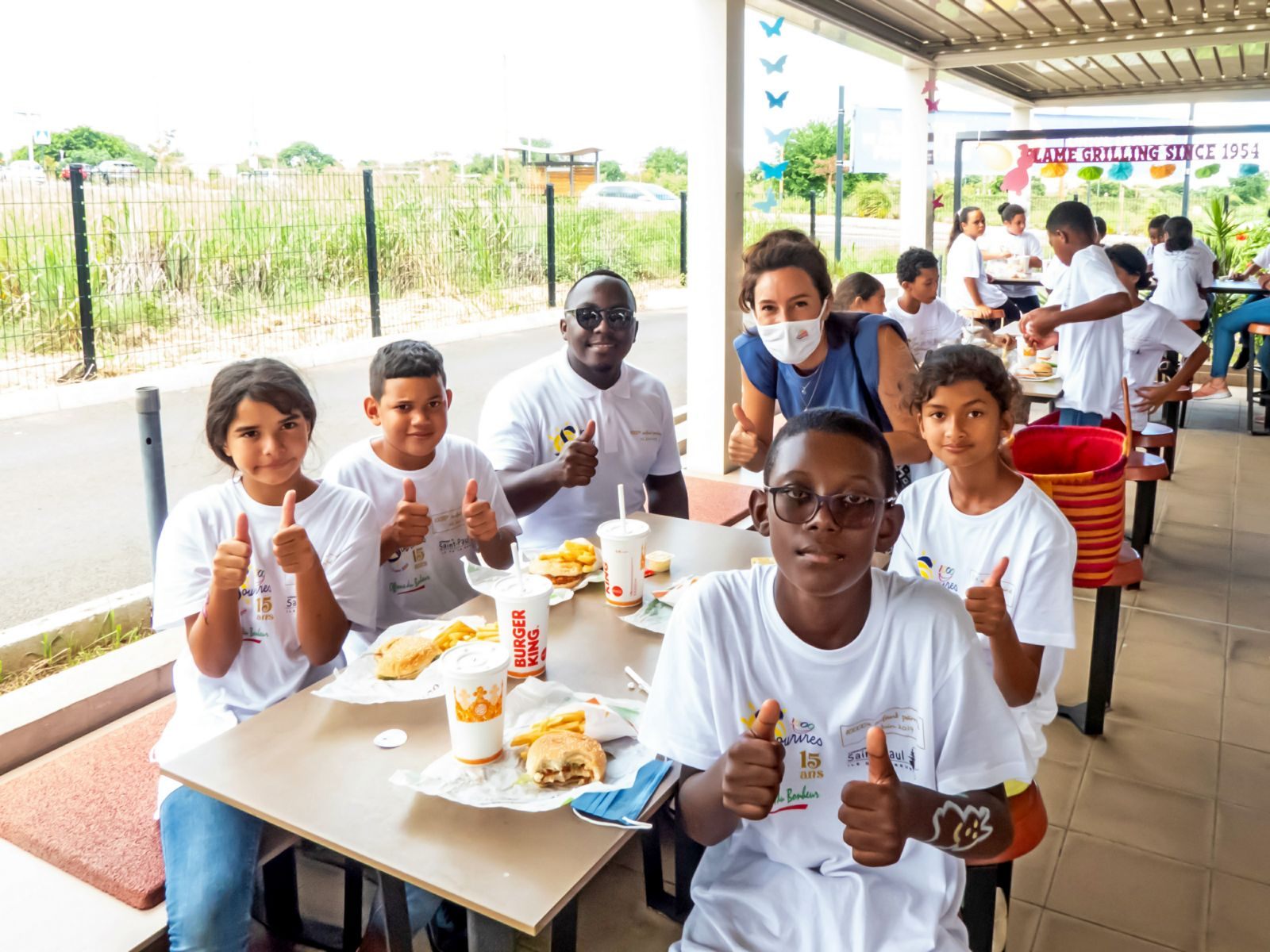 <center>Karting, initiation au geste de premiers secours<br> et  déjeuner surprise au Burger King <br> pour les marmailles de 1000 Sourires