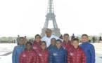 """<center>Jour 6 : """"S'envoler vers le Rêve  ..."""" <br>Une journée magique  au sommet de la Tour Eiffel <br>et à Disneyland Paris pour les neuf marmailles"""