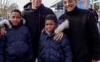 """<center>""""Un Incroyable Noël...."""" <br>Jour  4 :Enzo et Mathéo démarrent leur journée <br>au Parc des Princes et la terminent avec le chanteur Isnel au Novotel Paris Gare Montparnasse"""