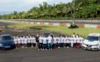 <center>Sainte-Anne : les marmailles de 1000 Sourires<br>  font du rallye et apprennent à conduire !